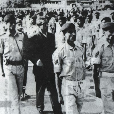 10-january-1972-freed-from-pakistani-prison-bangabandhu-returns-home-guard-of-honor-at-dhaka-airport_2